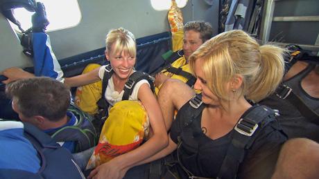 Bauer sucht Frau 2013, Folge 2: Lena und Janine, © RTL