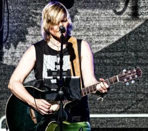 Sabine Hund - Antenne Lila