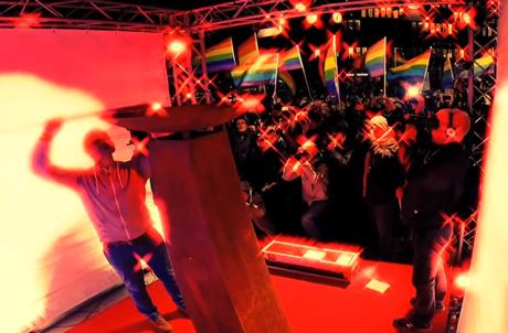 Der Song zur Regenbogen-Flamme: Jetzt mit Video