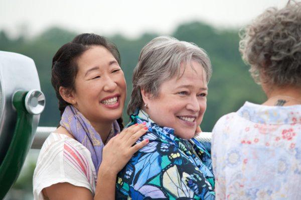 """Kathy Bates und Sandra Oh als lesbisches Paar im Film """"Tammy"""""""