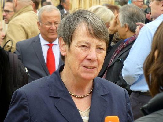 Umweltministerin Hendricks spricht über ihr Coming-out